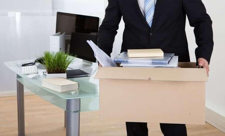 إنهاء عقد العمل غير محدد المدة في الإمارات