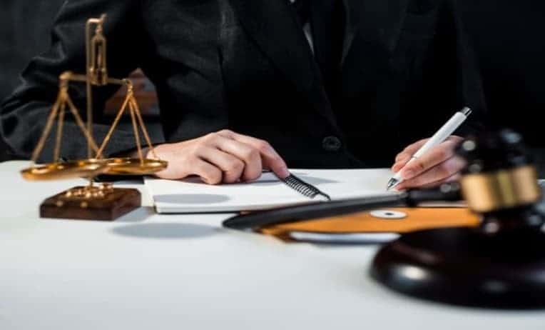 ارقام محامين في ابوظبي دبي الإمارات