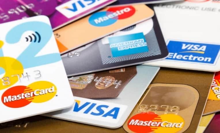عقوبة عدم سداد البطاقات الائتمانية في الإمارات