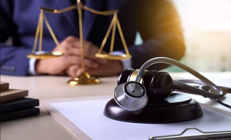 قانون الإهمال الطبي في دولة الإمارات