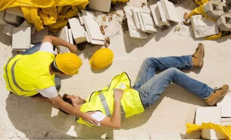 بلاغ اصابة عمل في الإمارات